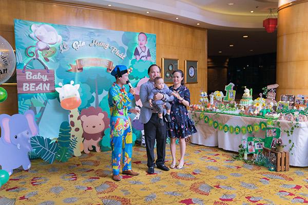 Tổ chức tiệc sinh nhật 1 tuổi